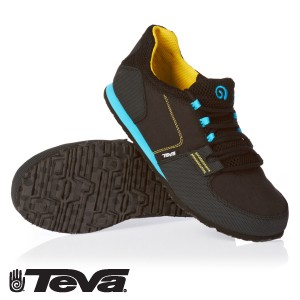 Teva flyweight shoe reviewed by womensportreport.com