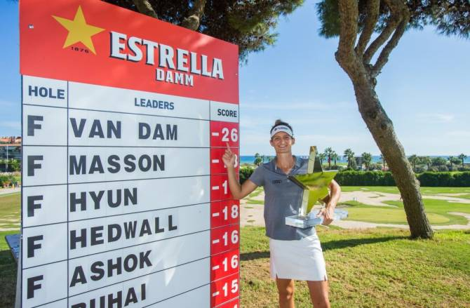 "Women sport news - CHEERS TO ""ESTRELLA"" VAN DAM"