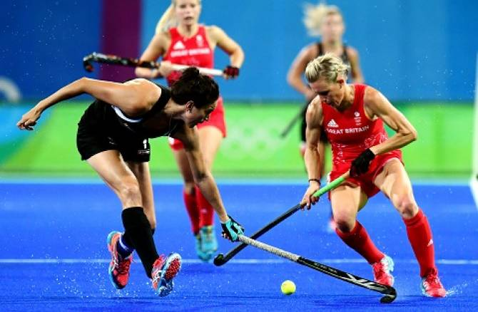 Women sport news - Clare Balding talks to Hockey Legend Alex Dansen