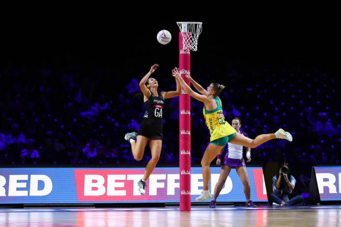 Women sport news - SILVER FERNS EDGED 50-49 BY AUSTRALIA IN FINAL PRELIMINARY MATCH