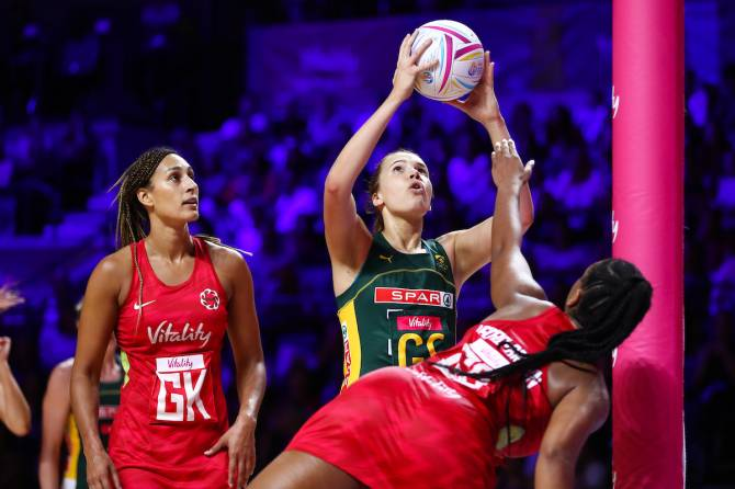 Women sport news - England blast South Africa aside to set up a Silver Ferns Semi Final