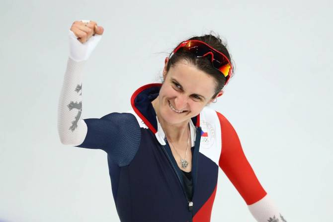 Women sport news - Flying Visser speeds to 5,000m Gold
