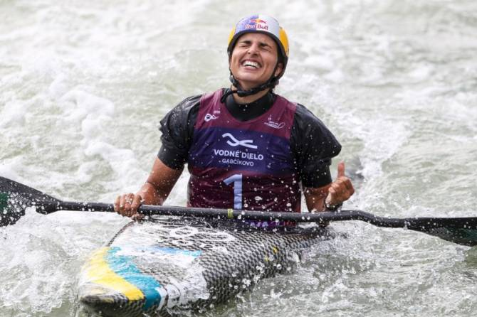 Women sport news - Fox finishes under-age career with an 11th World Championship gold medal