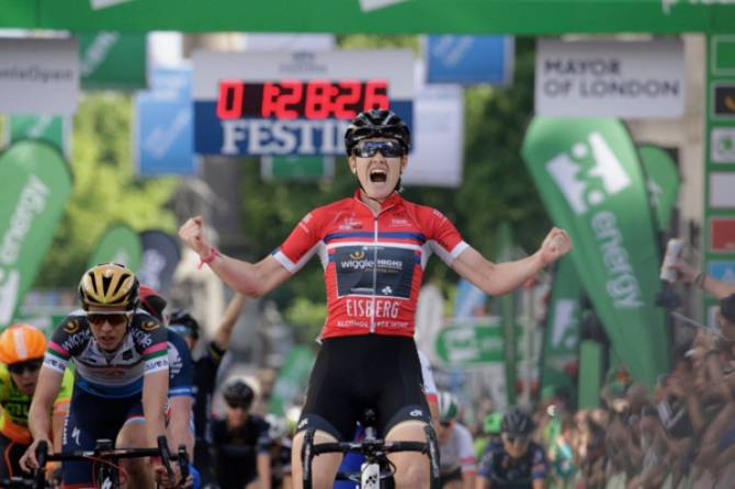 Women sport news - Jolien D'hoore Wins Spectacular Women's Tour London Finale