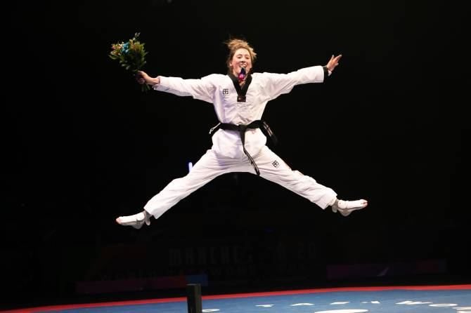 Women sport news - JONES ON TOP OF THE WORLD AFTER FIRST WORLD TITLE VICTORY