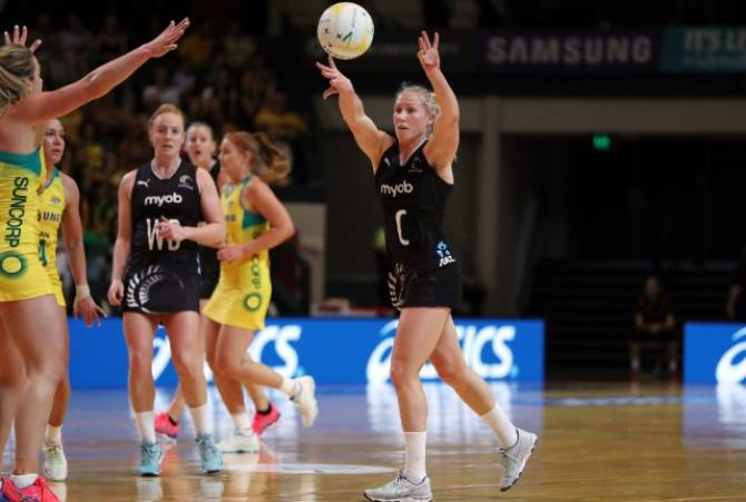 Women sport news - LANGMAN BREAKS NEW GROUND IN SPIRITED SILVER FERNS EFFORT