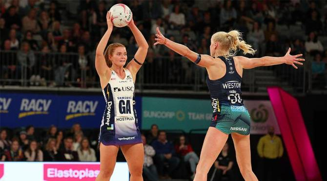 Women sport news - Lightning Take Down Vixens In Thriller