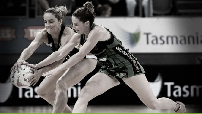 Women sport news - Magpies Swoop into top Top four in the SunCorp League