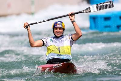Women sport news - Perfect Fox ends perfect season with more canoe slalom world records