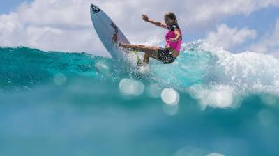 Women sport news - Stephanie Gilmore Claims World Surfing Crown