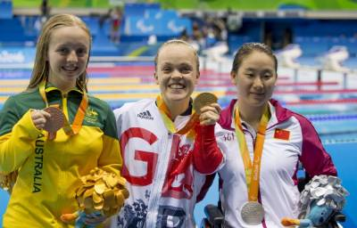 Women sport news - Superb Ellie Simmonds grabs gold with world record