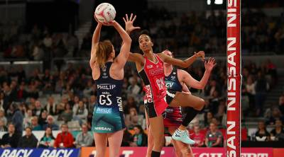 Women sport news - Vixens Hold Off Pesky Thunderbirds In Round 10 Win