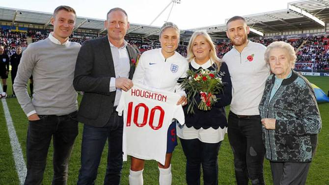 Women sport news - SWEDEN EDGE ENGLAND WOMEN TO SPOIL STEPH HOUGHTON'S 100TH CAP
