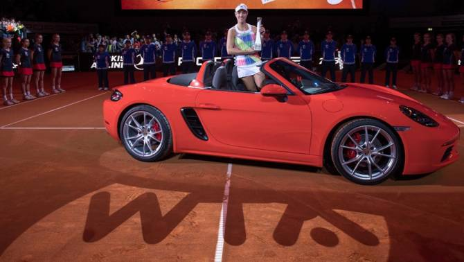 Women sport news - The Porsche Brand Ambassador triumphs at 2016 Porsche Tennis Grand Prix